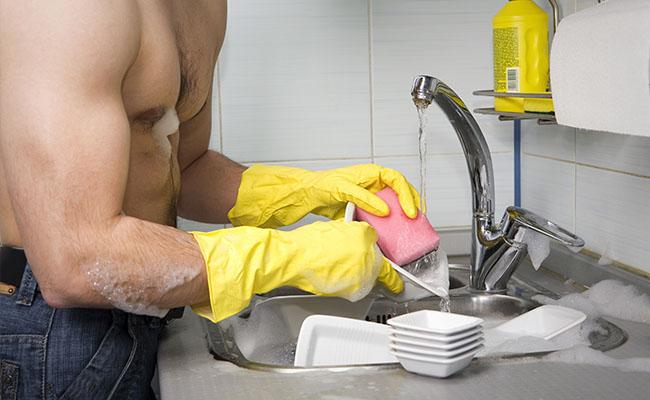Carta aos homens que não ajudam nas tarefas de casa