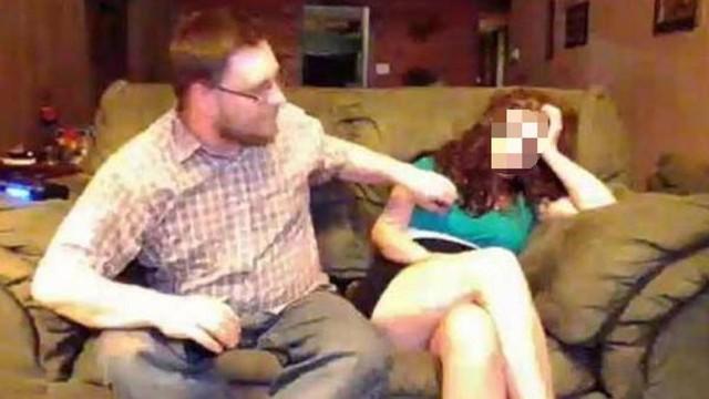 Ele tirou a roupa da mulher enquanto ela dormia Foto: Reprodução/NeoGAF/TwitchTV
